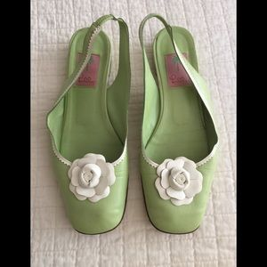 Lily Pulitzer lime green slingback w/ white rose
